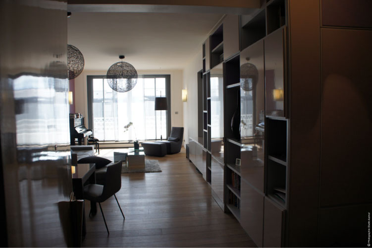 110 m restructur. Black Bedroom Furniture Sets. Home Design Ideas